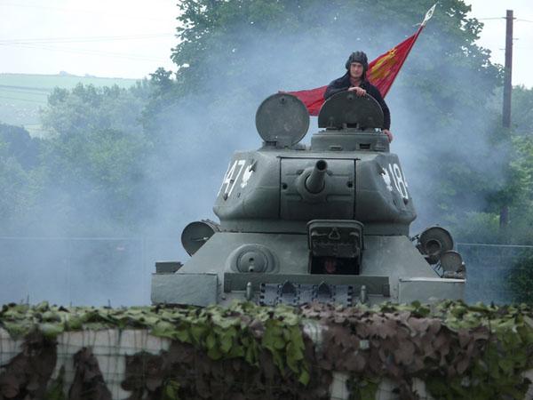 Фото №1 - От Т-34 до Индийского океана