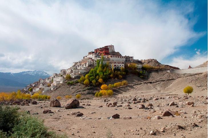 Фото №1 - Жемчужины веры: 7 самых красивых монастырей планеты