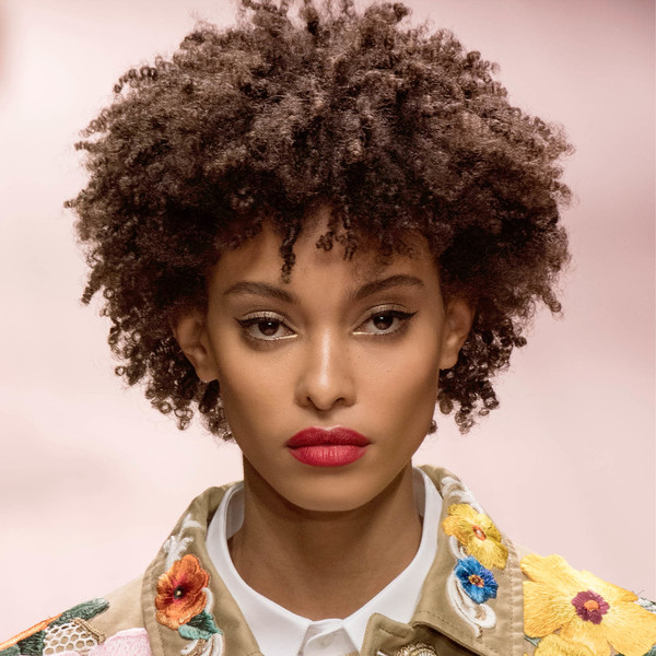 Фото №1 - Бьюти-тренд: самый летний макияж