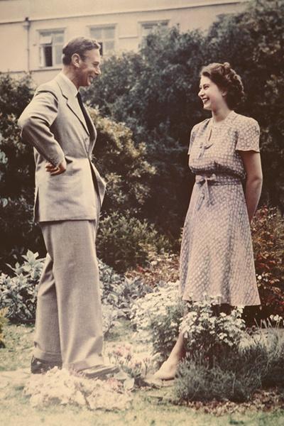 Фото №2 - Королевская любовь длиною в жизнь: Елизавета II и Филипп