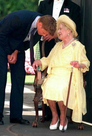 Фото №4 - Мудрость поколений: какой совет королевы-матери принц Уильям запомнил на всю жизнь