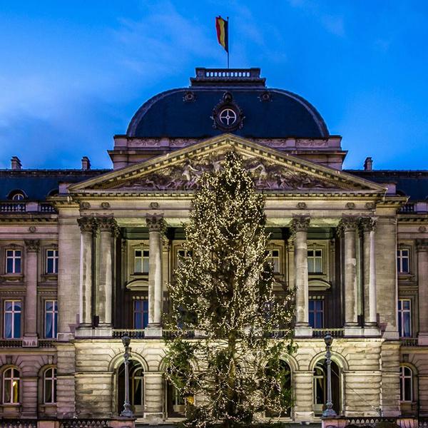 Фото №16 - Праздничное убранство резиденций королей и президентов в ожидании Рождества и Нового года