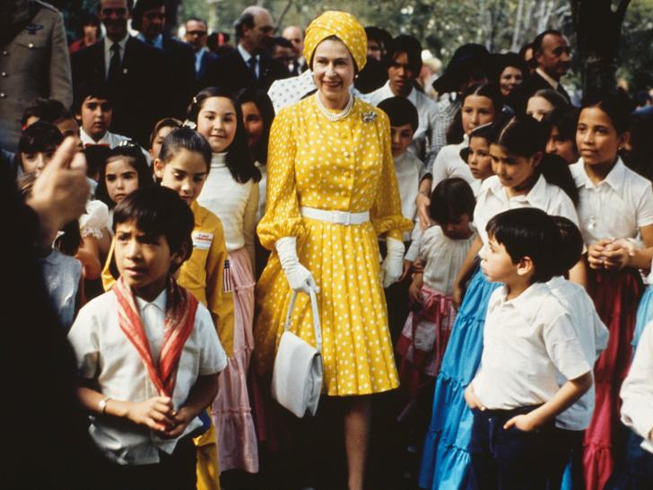 Фото №3 - Одним цветом: как королевские особы носят монохромные образы— 30 вдохновляющих примеров