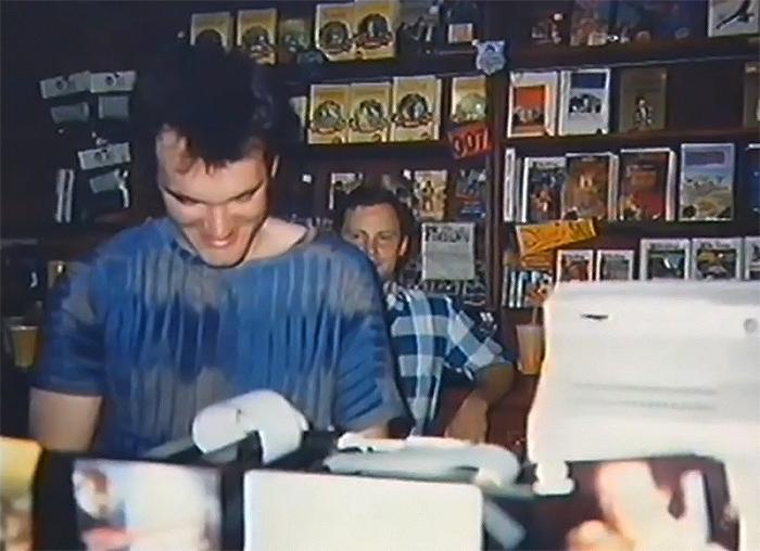 Фото №2 - История одной фотографии: юный Квентин Тарантино на работе в видеопрокате