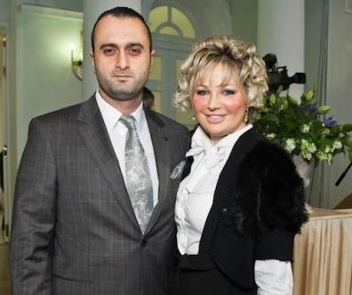 После расставания с Тюриным Мария Максакова стала встречаться с ювелиром Джамилем Алиевым
