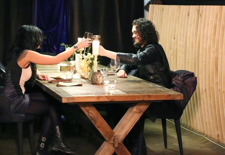 Фото №1 - Свидание с Джоном Сноу: герой сериала приглашает московских девушек в ресторан