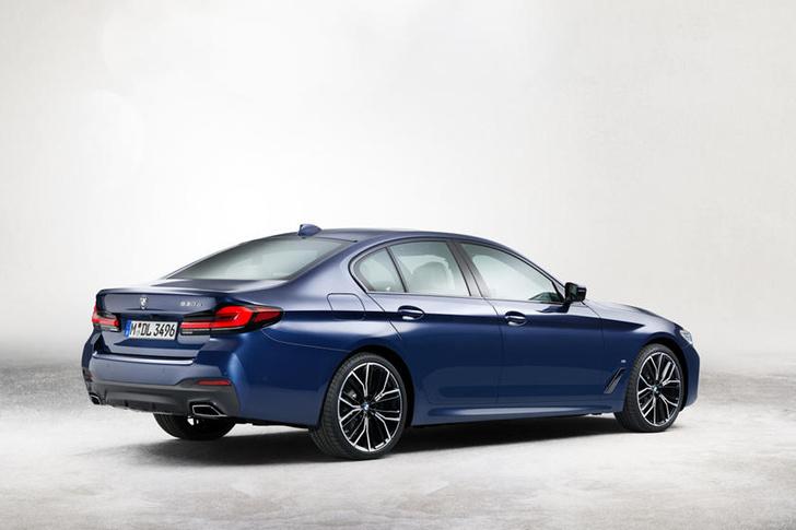 Фото №2 - Новый BMW 5-й серии ставит на красное