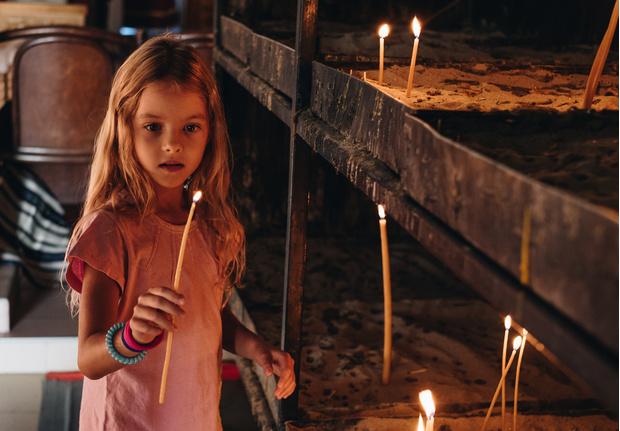Фото №2 - Можно ли дома жечь церковные свечи: объяснение священника