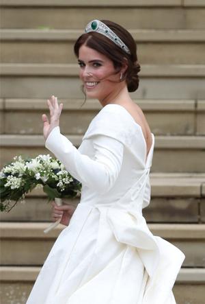 Фото №3 - Почему свадебное платье принцессы Евгении было удачнее, чем у Меган Маркл