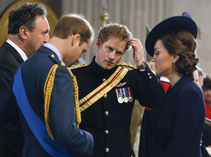 Фото №2 - Плохая шутка: чем Гарри обидел Кейт перед ее свадьбой с Уильямом