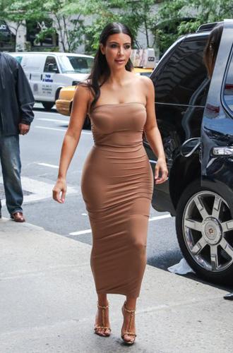 Фото №15 - Визуальные иллюзии в одежде: как выглядеть на пару размеров стройнее