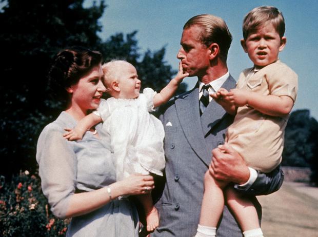 Фото №3 - Как дедушка Королевы спас жизнь принцу Филиппу