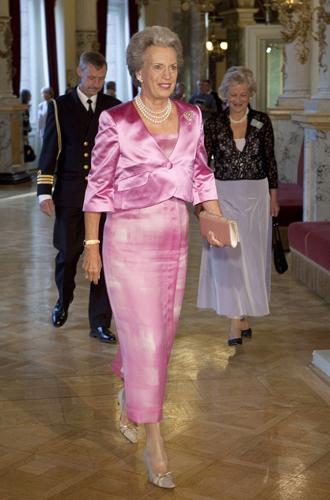 Фото №4 - Принцесса Дании рассказала о правильном королевском гардеробе (и намекнула на неудачный)