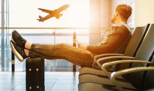 Фото №1 - У пассажира, летевшего через Москву, выявили коронавирус