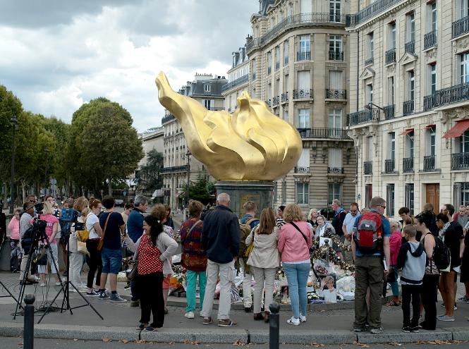 Фото №3 - Площадь в Париже решено назвать в честь принцессы Дианы