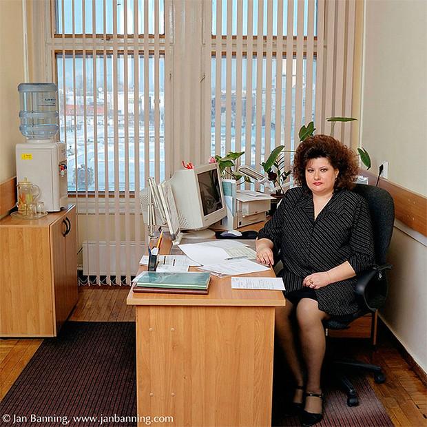 Фото №21 - Проходите, садитесь: кабинеты чиновников и служащих в разных странах