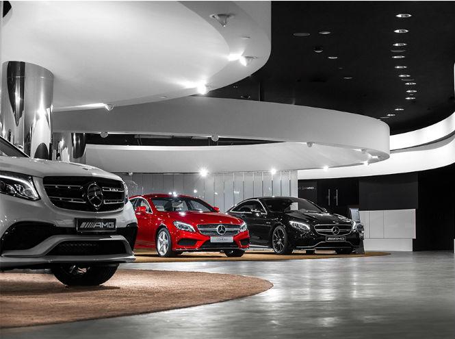 Фото №9 - Открытие нового шоурума Mercedes-Benz