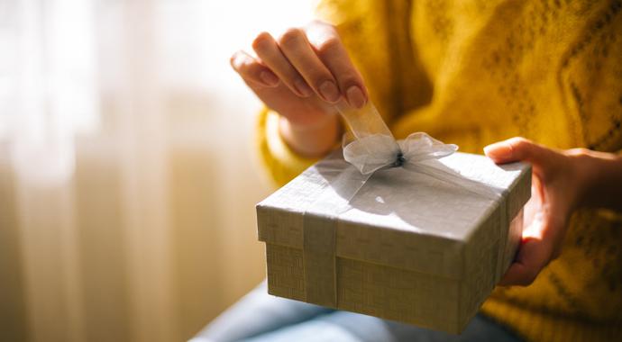 «Прости, что спала с твоим мужем»: история одного подарка от любовницы
