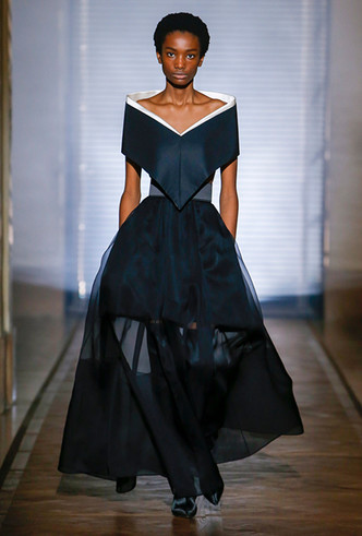 Фото №2 - Сработала четко: Givenchy Haute Couture SS18