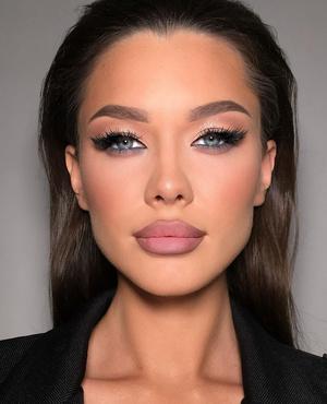 как выглядеть взрослее и женственнее в 12 13 14 лет с помощью макияжа в школе на фото девушке