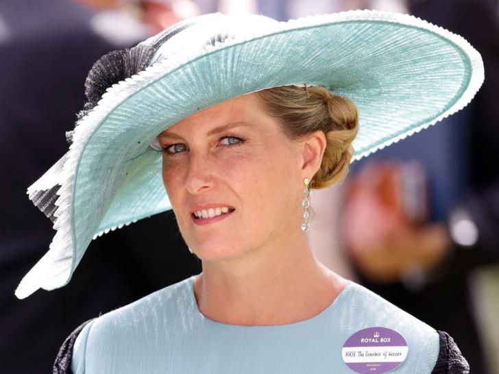 Фото №1 - Перемудрила: модный конфуз «любимой невестки Королевы»