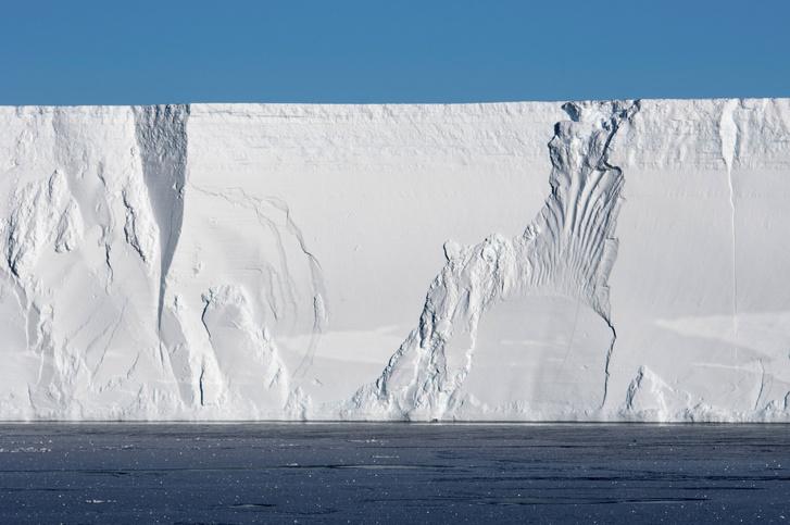 Фото №1 - Гигантский айсберг откололся от Антарктиды