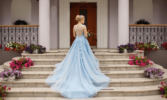 Фото №1 - Тест: В платье какого цвета ты выйдешь замуж?