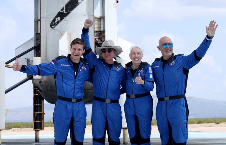 Фото №6 - Автостопом по Галактике: как Безос и Брэнсон делят Вселенную и космический туризм