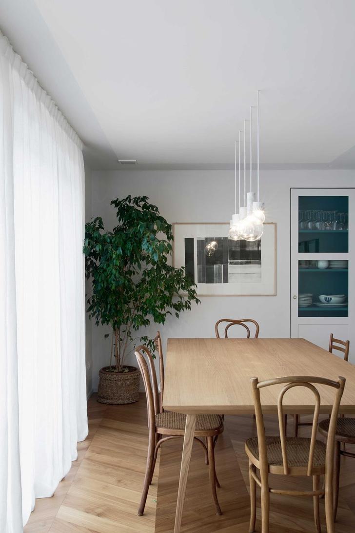 Фото №2 - Квартира с синим коридором в Милане