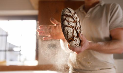 """Фото №1 - В Роскачестве объяснили, почему """"улучшенный"""" хлеб не всегда вреден и какие добавки его не портят"""