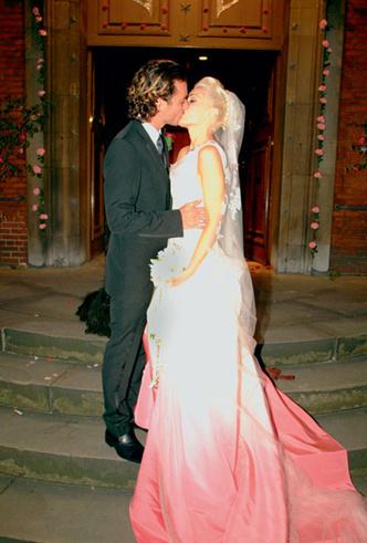 Фото №10 - Свадебное платье Dior на заказ