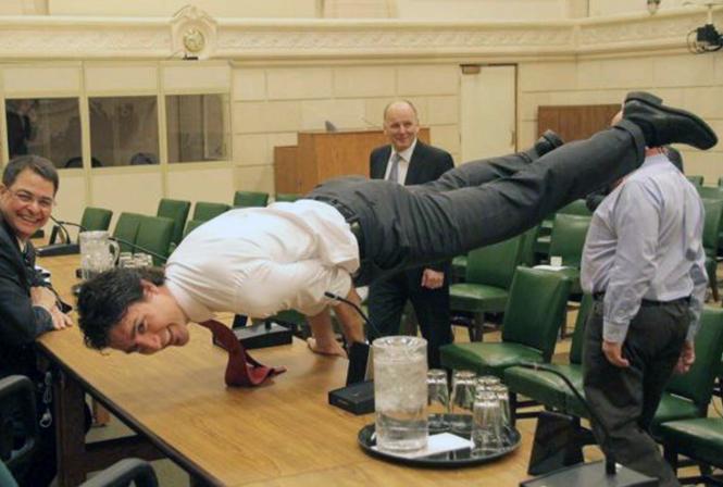 Фото №11 - Почему мир влюблен в канадского премьера Джастина Трюдо