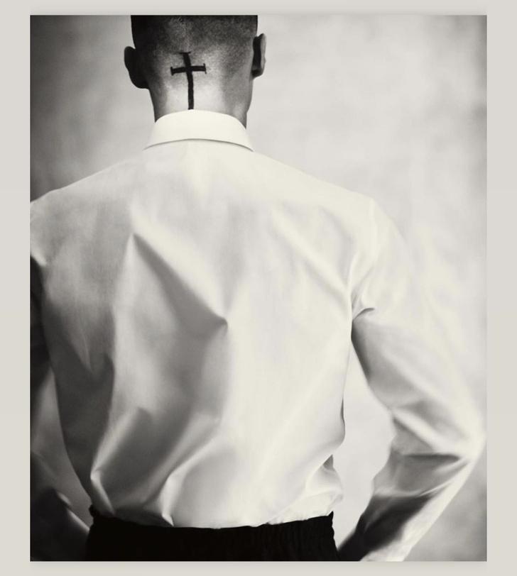 Фото №1 - «Ты— легенда»: каких двух дизайнеров поблагодарил новый креативный директор Givenchy?