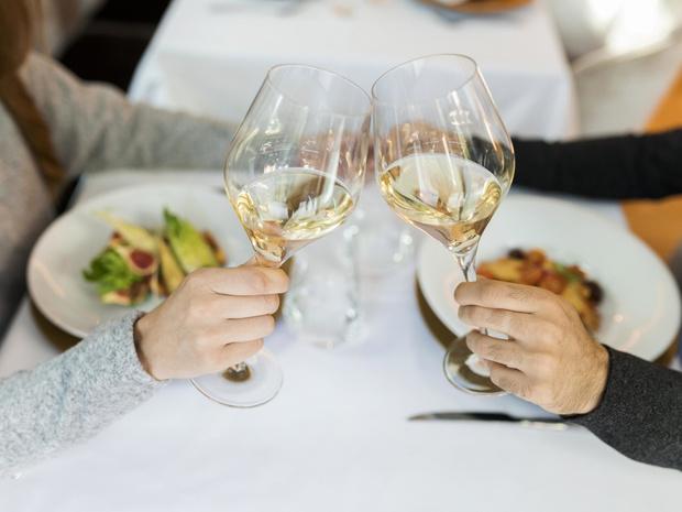 Фото №10 - Столовый этикет: как правильно подбирать бокалы под вино