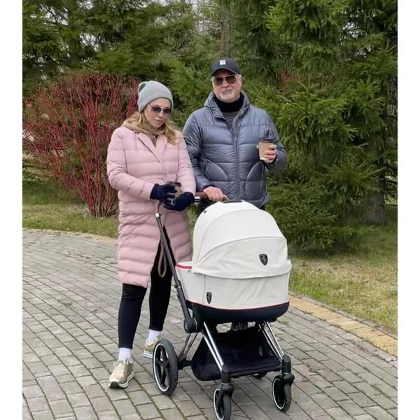 У Валерия Меладзе и Альбины Джанабаевой родилась дочь