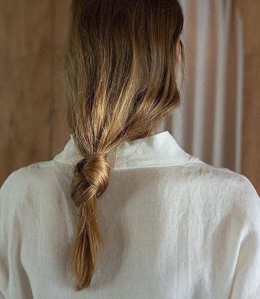 Фото №2 - 7 бьюти-хаков, которые помогут надолго сохранить волосы чистыми