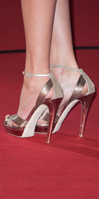Фото №40 - Обувные бренды звезд, часть 1: Christian Louboutin, Jimmy Choo, Charlotte Olympia