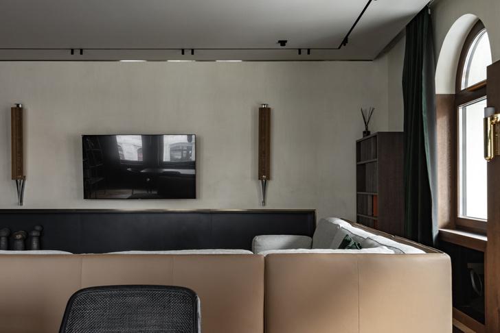 Фото №7 - Петербургский классицизм в современном ключе: квартира 195 м²