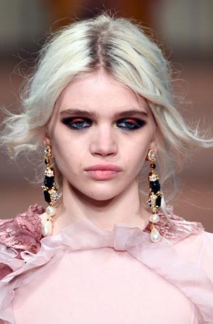Фото №25 - New pink: 5 трендов «розового» макияжа, которые хочется повторить