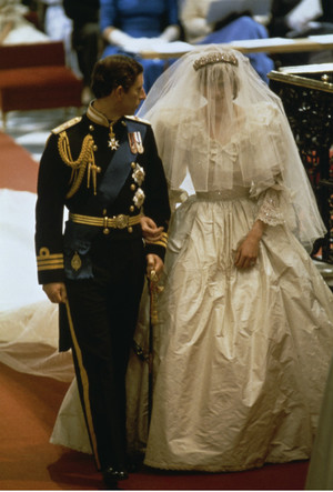 Фото №3 - Дурной знак: какой конфуз случился с принцессой Дианой на ее свадьбе