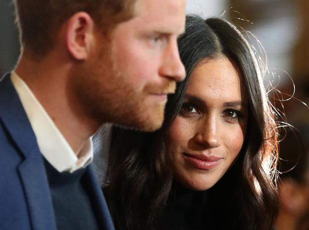 Фото №3 - Почему принц Джордж может не стать королем (и при чем здесь Гарри и Меган)