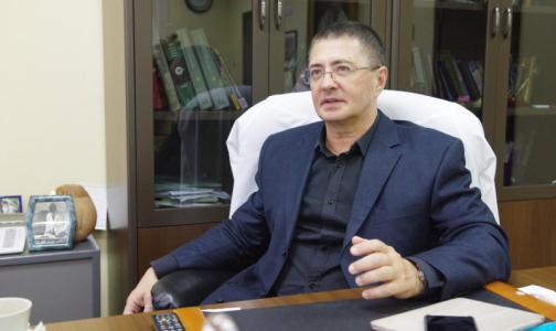 Фото №1 - Жириновский потребовал отобрать у доктора Мясникова диплом. Врач отреагировал