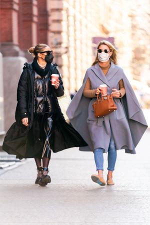 Фото №3 - Какую верхнюю одежду сейчас носят самые модные девушки Нью-Йорка?