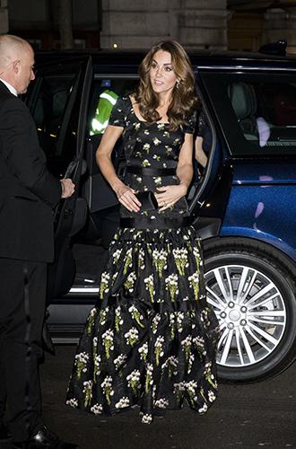 Фото №2 - Герцогиня Кэтрин, принцесса Беатрис, Виктория Бекхэм и другие звезды на гала-вечере в Лондоне