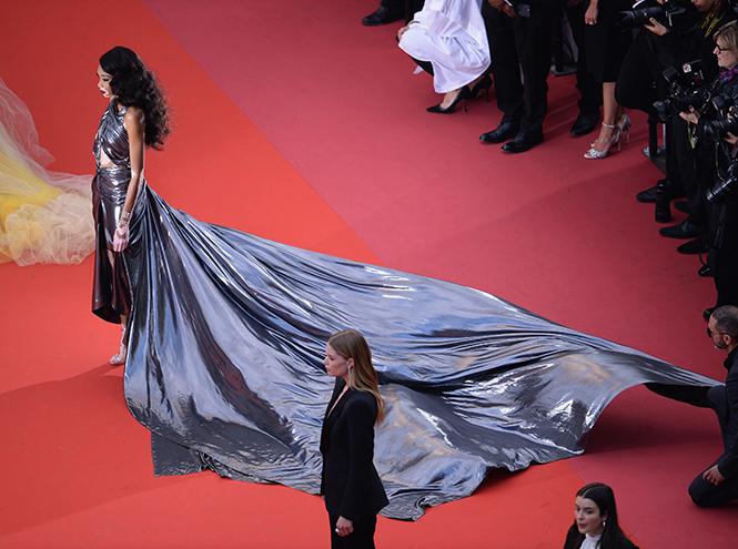 Фото №27 - Модные Канны-2018: самые яркие звездные образы восьмого дня кинофестиваля