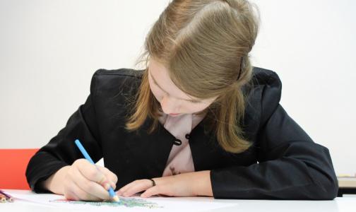 Фото №1 - Специалисты назвали предельное время, которое школьники должны тратить на «домашку»