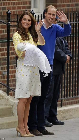 Фото №5 - Любимый дизайнер герцогини Кембриджской вышла замуж в сером