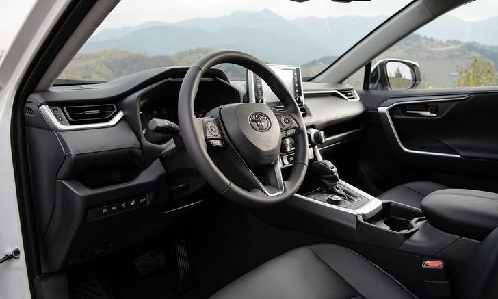 Фото №3 - Toyota RAV4: вне зоны комфорта