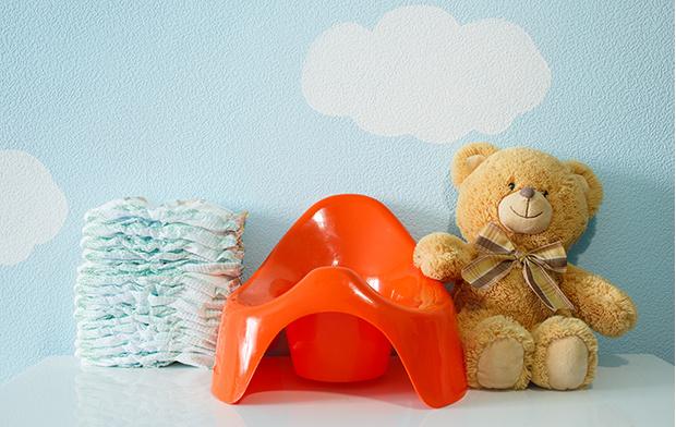 Фото №1 - Первый горшок для малыша: критерии выбора