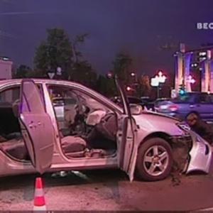 Фото №1 - В центре Москвы взорван автомобиль